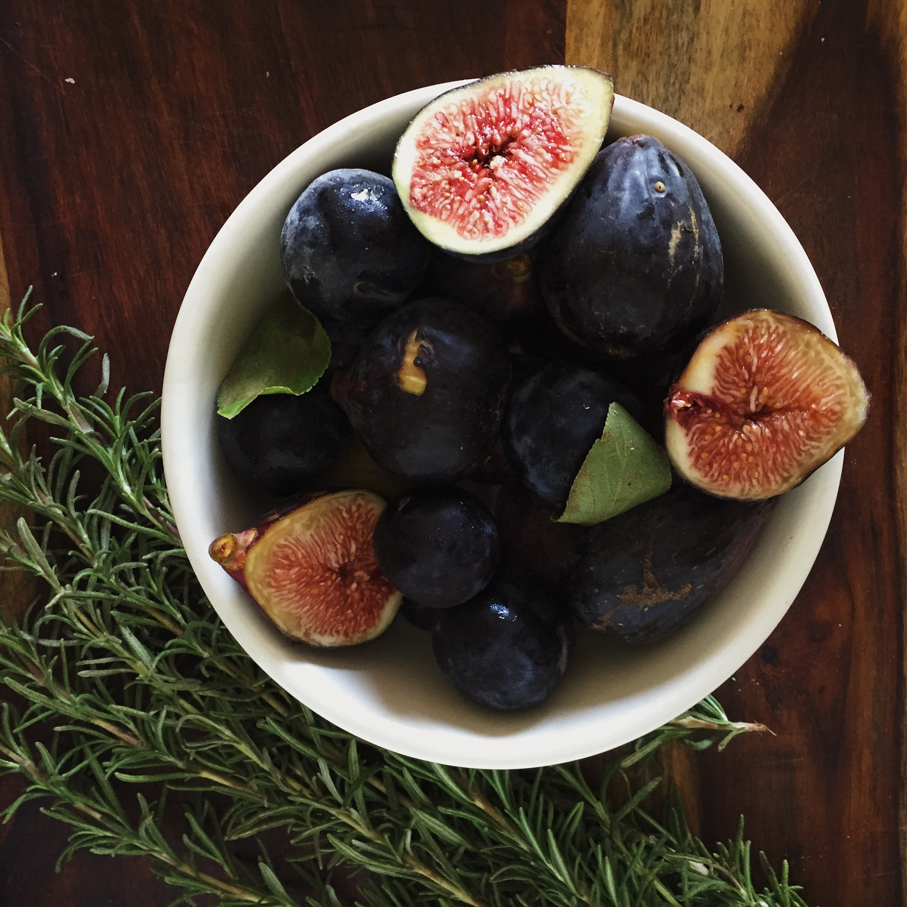 2015 08 decorating with plum and damson - Ingredients